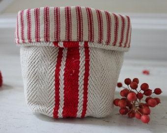 Small Fabric Basket//Small Organizer// Storage Basket// Storage Bin// Fabric Bin