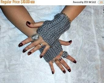 Chrome Shimmy Fingerless Crochet Gloves Wrist arm Warmers Unisex Silvery gray grey. Shimmery silver hand crocheted metro urban chrome shiny
