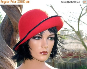 MOD Hipster Boho 1960s  Red Wool   Felt and  Black Velvet Trimmed Cloche Complete with Union Label