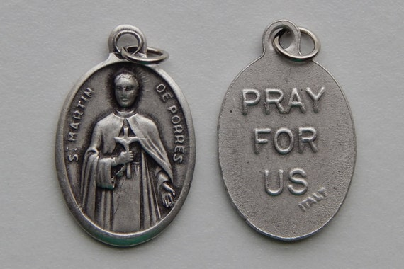 5 Patron Saint Medal Findings - St. Martin de Porres, Die Cast Silverplate, Silver Color, Oxidized Metal, Made in Italy, Charm, RM713
