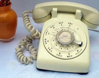 Vintage T&T Dialing Phone