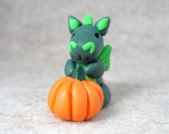 Pumpkin Dragon- A dark green dragon with his little pumpkin - Halloween dragon, Halloween Decoration