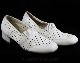 Never Worn Size 6 M 1960s Shoes - White Polka Dot Perforated Pumps - Deco 20s Inspired Style - Dotted Leather - 60s Deadstock - 6M - 47077-1