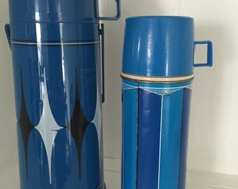 Thermos set in blue. Aladdin and Thermos brand.
