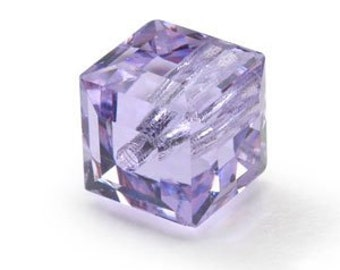 NEW Pair of 8 MM Swarovski Crystal Cubes in Beautiful Violet (2) - (SCCV006)