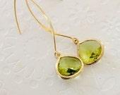 Green Dangle Earrings, Peridot green dangle earrings, Christmas dangle earrings, Gold Drop Earrings, Green and gold long earrings