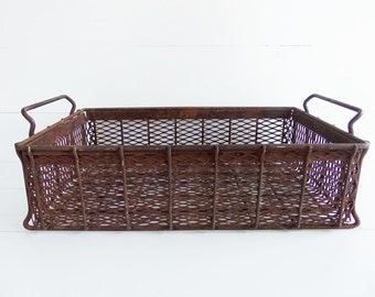 Vintage  Industrial Wire Dip Basket, Table Basket, Industrial Decor, Rusty Crusty Basket