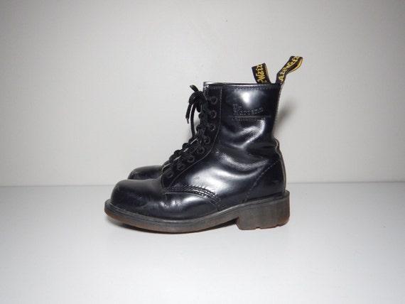 90s doc marten grunge black leather heeled boots size 9 9 5
