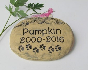 Pet garden stone grave marker. Flowers and antique-style lettering. Artisan Quality. Personalized name engraved Pet memorial