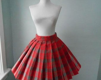 VINTAGE 1960s High Waisted  Red & Gray Accordion Style Pleated Plaid Wool Full Skirt