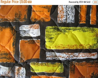 40% SALE One quilted polyester cotton mod rectangular fabric sample vintage bedspread material