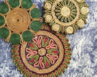 vintage boho woven trivets / straw raffia flower coasters / set of 3 plate drink holders / geometric wall hanging decor
