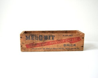 Vintage Cheese Box . Mel-o-Bit . Primitive Wood Box . Small Dairy Crate