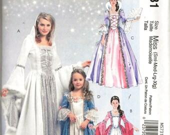 McCall's M5731 / MP237 Misses Princess Queen Court Renaissance Medieval Dress Costume Sewing Pattern 5731 UNCUT Size S, M, L, XL
