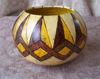 Small gourd bowl, wood burn lapping diamonds and points. 1888.
