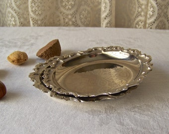 Vintage Nut Dishes Liards Nut Dishes Nickel Plated Tarnish Resistant Vintage Decor 1990s
