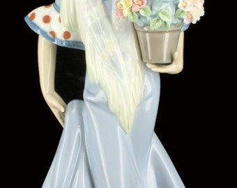 Vintage Lladro Flor Maria Porcelain Figurine Retired #5490 No Box