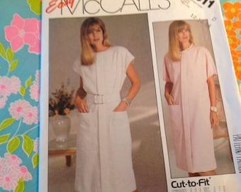 Vintage Mccalls Pattern 2911, 80's dress pattern, factory folded, 12/14/16 sizes, Uncut pattern