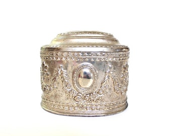 Vintage Silver Jewelry Box . vintage wedding decor . vintage trinket box . gift box with lid . bridesmaid gifts