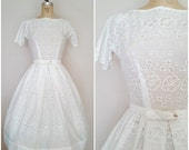 25% OFF SALE Vintage 1950s White Eyelet Dress / 50s Dress / Small