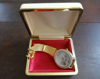 Vintage English Cream Watch Box Jewellery Jewelry Presentation Gift Case Worn Old circa 1960-70's / English Shop