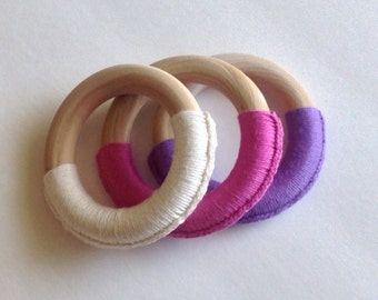 älskar baby Pastel Cotton Wrapped Wooden Teething Ring Sensory toy Set of 3