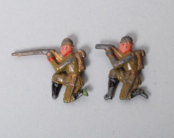 Set of 2 Antique original lead soldiers. dead shot