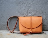 Artemis Leatherware Hand Stitched Leather Shoulder Bag/ Carry On Bag