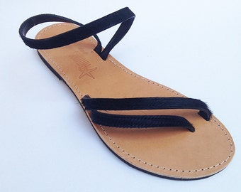 The Delfine sandal - Black ponylike