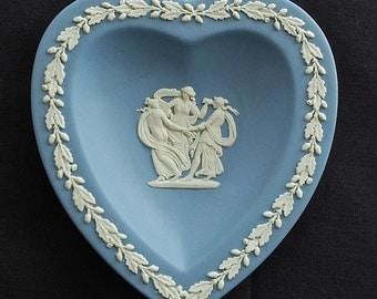 "Vintage ""WEDGWOOD"" blue Jasperware ""Three Graces"" Heart Shapped Dish"