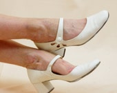 White Qualicraft Shoes * White Mary Janes * White Leather Shoes * 60s Shoes * 1960s Shoes * Twiggy Shoes * 60s Mary Jane Heels