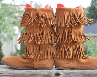 Vtg. Womens Leather Suede Minnetonka Fringed boots / moccasins size 10