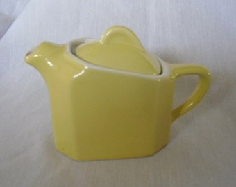 Vintage 1950's Hall Teapot Single Serve