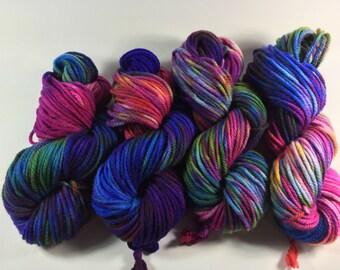 Bulky Superwash Merino, Beauty & Beyond, 100 grams, multicolored yarn, Chunky Yarn, Bulky Yarn, superwash merino,