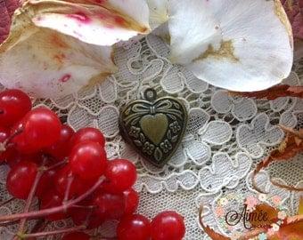 small heart locket, brass locket, antique bronze locket, photo locket, memory locket, baby locket, victorian locket, vintage locket