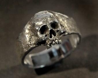 Skull Ring,small skull ring,women's skull ring, silver skull ring