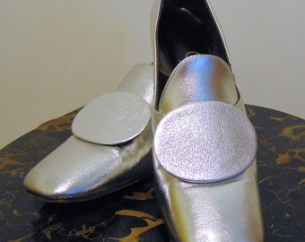 SALE Vintage 1960s Space Age Mod Silver Shoes. By Adlib. Stunners. Size 7 1/2