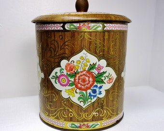 Flower Garden: English Tin Container with Lid - Vintage Chic, Slightly Shabby