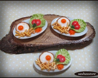 Miniature dollhouse meal, fried eggs and fries, 12th scale doll food