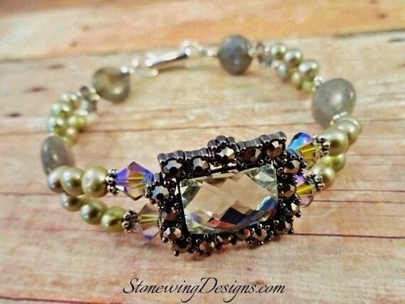 Freshwater Pearls, Labradorite, Swarovski Crystals and Glass Bracelet