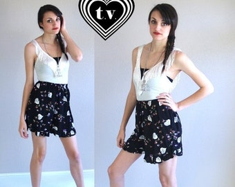 Half Off vtg 90s hearts FLORAL PRINT Ruffle SHORTS ruffle Sm/Med high waist revival grunge hipster indie