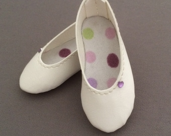 White leatherette shoes for Moe Minifee on Box