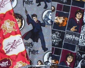 Harry Potter Fabric , 4 Fat Quarters , Harry Hermoine Ron , Harry Potter Characters Fabric, Gryffindor Emblem, Hogwarts