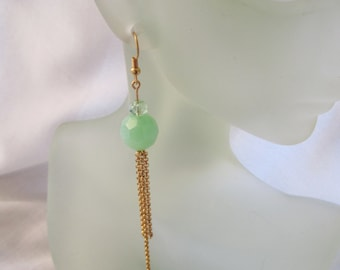 Green and Golden Dangles ./. Applegreen Earrings ./. Pendants d'Oreilles Verts ./. Spring Celebration ./. Green Bead Dangle ./. Greenery