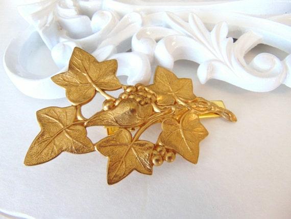 SALE Gold Ivy Leaf Barette, Gold Berries Leaf Clip, Bridal Clip, Fall Hair Clip, Gold Leaves, Winter Wedding, Brass Gold Hair Barrette IVY
