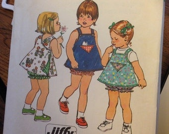 Girl's reversible dress & panties pattern from 1974 - Simplicity 6364 - Size 1