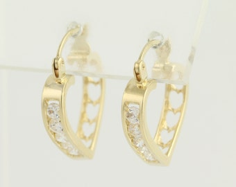 Cubic Zirconia Heart Hoop Earrings - 14k Yellow Gold Pierced CZ N122
