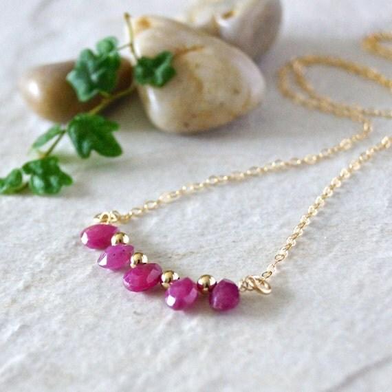 14k / Ruby pendant necklace