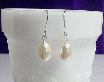 30% Off SALE thru Mon Swarovski Creamrose Pearl Drop Earrings, Wedding Jewelry Bridesmaid Earrings  Gift Mom Sister Grandmother Jewelry, Chr