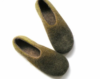 Handfelt wool slippers Army Green slippers woolen shoes
